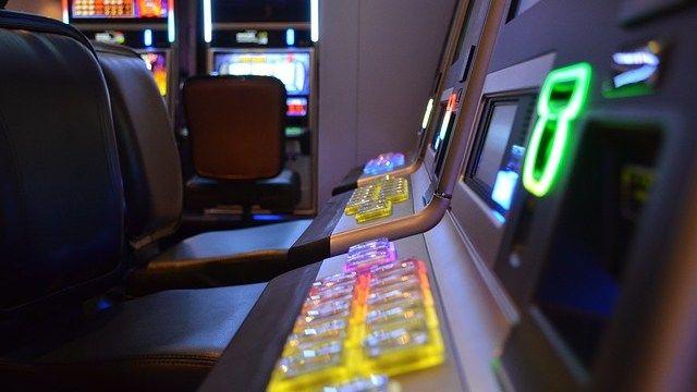 Oristano contro la ludopatia: 800 euro alle attività che rimuovono le slot machine