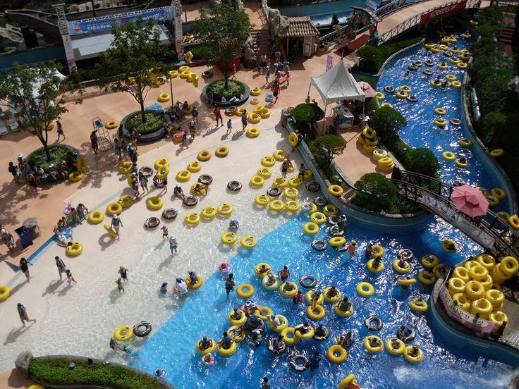 11위 Aquaventure, 두바이 (120만명)                     10위 리솜 스파 캐슬, 대한민국 (118만명)                     9위 Wet'N Wild, 미국-올랜도 (125만명)                     8위 Wet N Wild Gold Coast, 호주 (140만명)                     7위 Aquatica, 미국-올랜도 (155만명)                     6위 캐리비안 베이, 대한민국 (162만명)