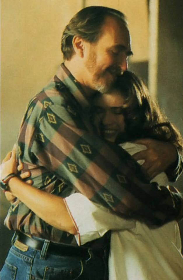 Wes Craven and Heather Langenkamp. One of the greatest photos ever.
