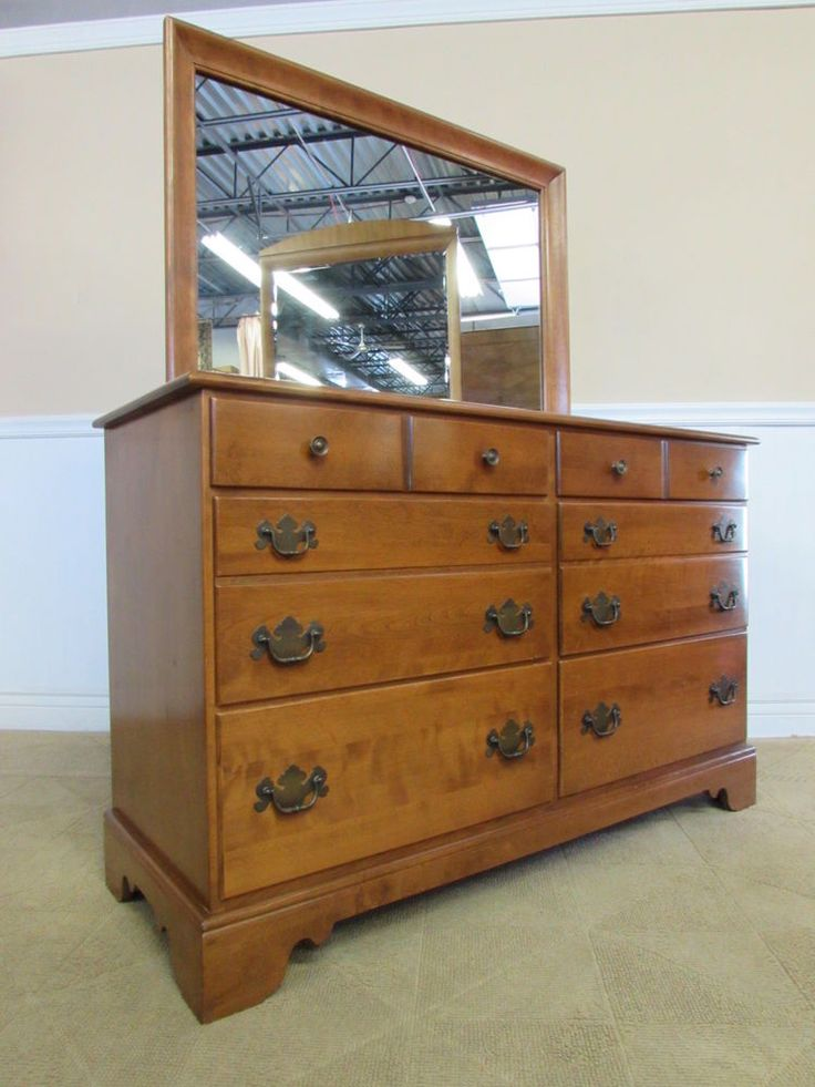 ETHAN ALLEN NUTMEG MAPLE DRESSER AND MIRROR