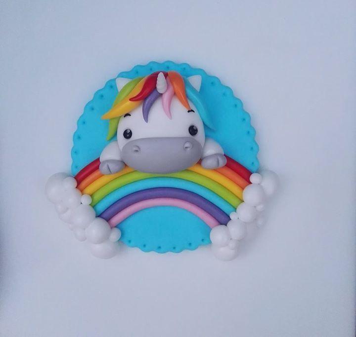 Pony con arcoiris