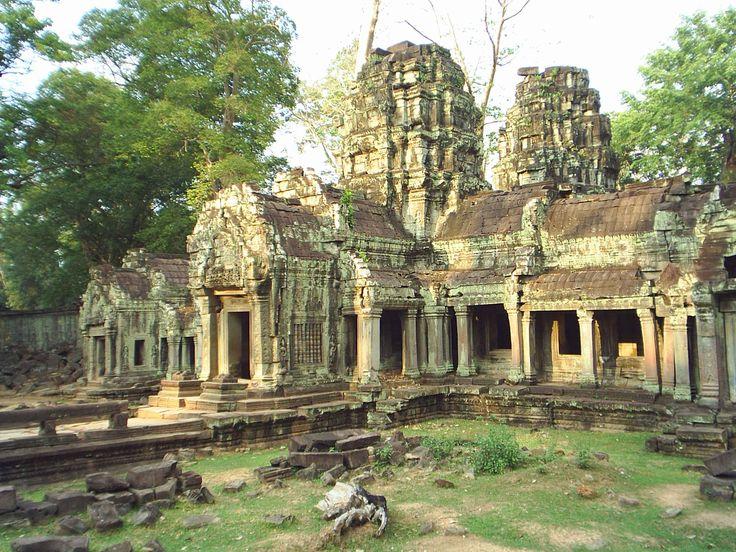 angkor_complex_cambodia_075767.jpg (2560×1920)