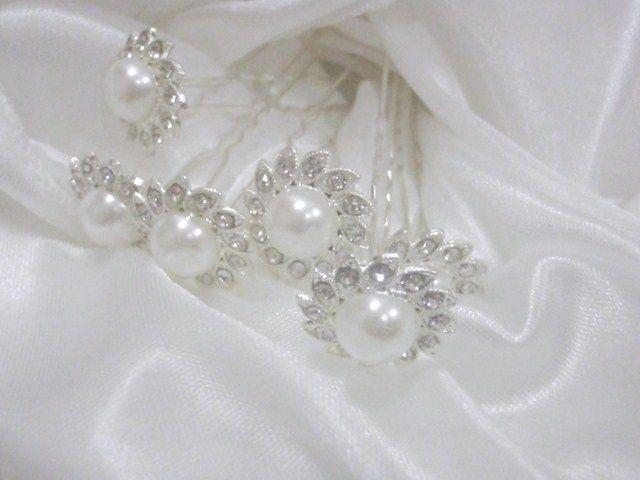Add extra detail to your hair Pearl Flower hair pins www.weddingwonderland.com.au