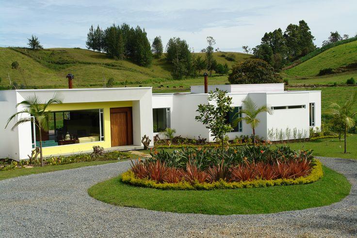 DISEÑO-CONSTRUCCIÓN Aguas Claras 32 El Carmen de Viboral, Antioquia Colombia