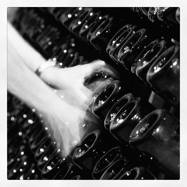 """@roncocalino's photo: """"Remuage. #franciacorta #vino #wine #remuage #produzione #fermentazione #winemaking #fermentation #bottiglia #bottle #mani #hands #blackandwhite #black #white #biancoenero #bianco #nero #italy #italia #winery #cantina #cellar #brescia #lombardia #lovewine #winelovers #instawine #instaitalia #instagramitalia"""""""