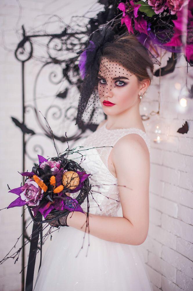 свадьба в стиле Хэллоуин. невеста. свадебный букет с тыквой. летучие мыши, декор свадьбы Halloween wedding ideas Halloween bride