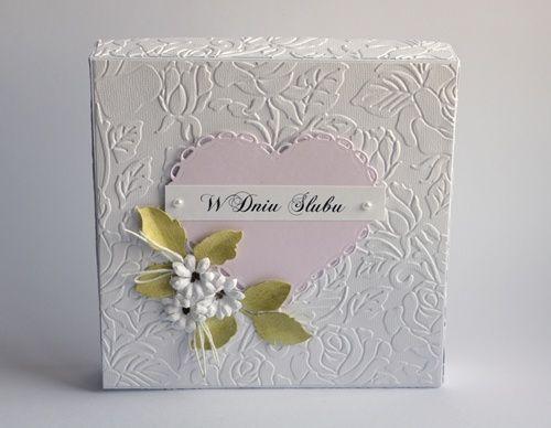 Dzisiaj znowu kartka ślubna, tym razem w wersji biało- różowo-zielonej.