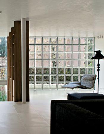 Salotto10 interni gallery gallery seves glassblock - Glass block windows in living room ...