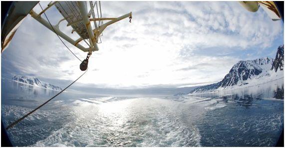 El aumento de la temperatura del mar como consecuencia del cambio climático eleva el riesgo de enfermedades transmitidas por el agua según el mayor estudio sobre la materia publicado en el Congreso Mundial de la Naturaleza que se celebra en #Hawái.   Fuente: http://ift.tt/2cd5p4K