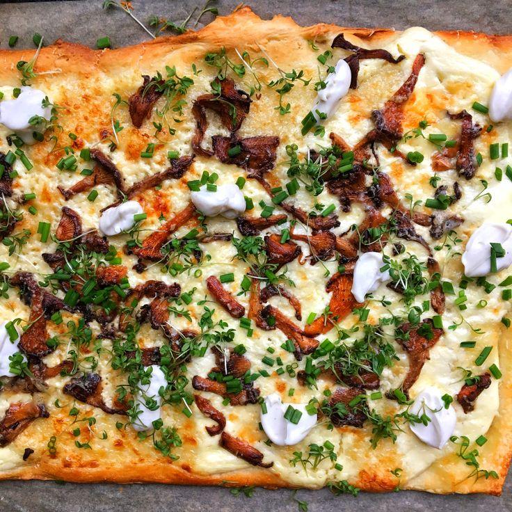 Kantarellpizza med tryffelkräm, gruyère, krasse och gräslök | Tuvessonskan | Bloglovin'