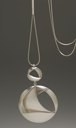 Jewellery by the contemporary jewellery designer ELIZABETH BONE