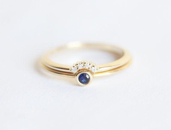 Piccoli zaffiro anello di fidanzamento con anello corona