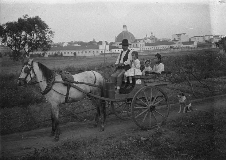 Zona rural anterior à abertura da Av. António Maria de Avelar, actual Av. Cinco de Outubro, 1932, foto de Joshua Benoliel, in a.f.C.M.L.