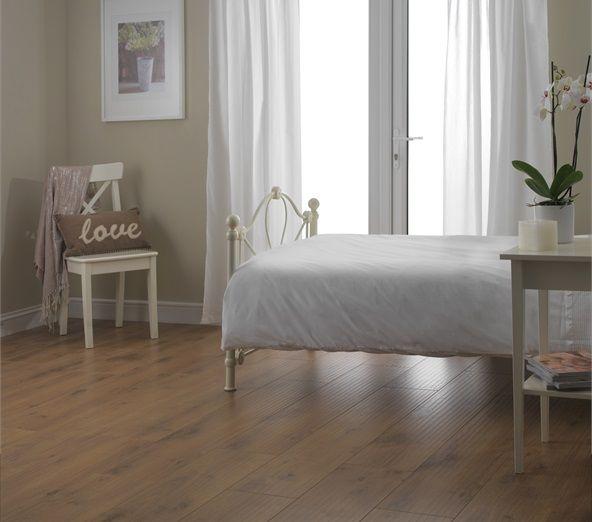 Laminate Flooring Bedroom: 20 Best Oak Laminate Flooring Images On Pinterest