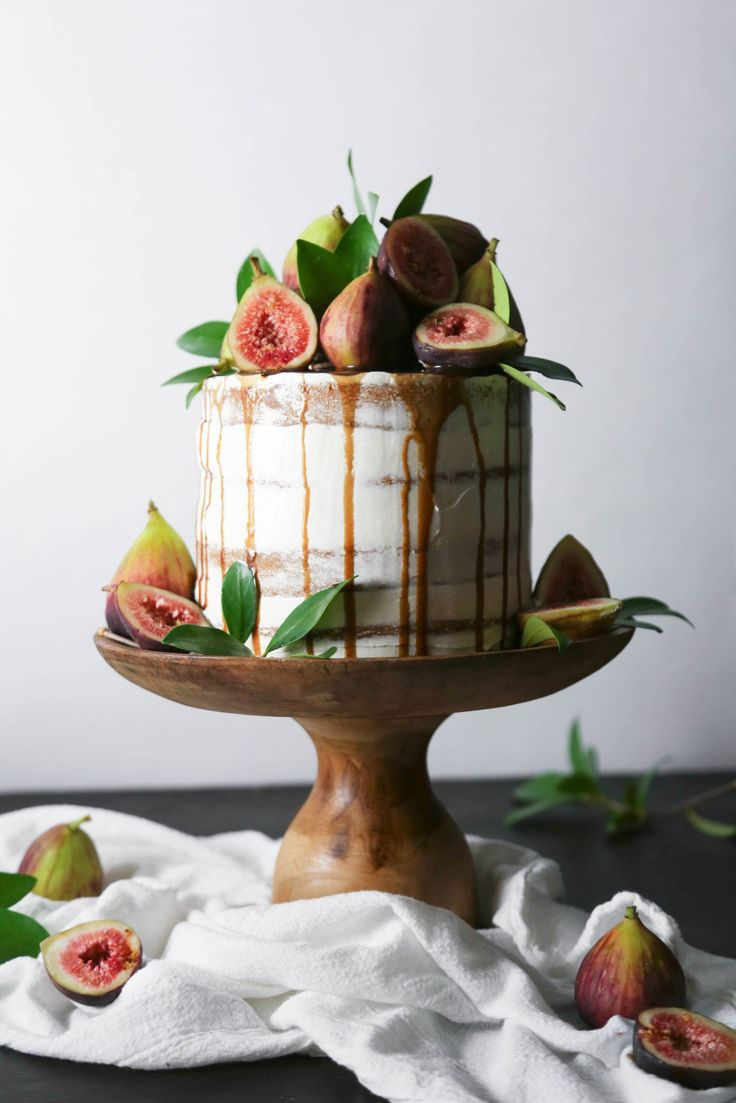 Chai Spiced Cake with Fresh Figs and Caramel   Free of gluten and ...