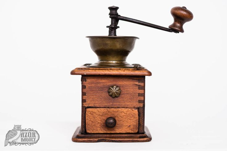 kenderolaj - old coffee grinder revived with hemp oil from Daddy Van's - Azúr Bagoly