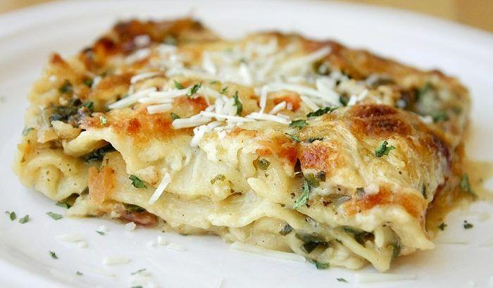 Prepariamo una ricetta sana e gustosa. Con il nostro amico Bimby sarà facile cucinare le lasagne...