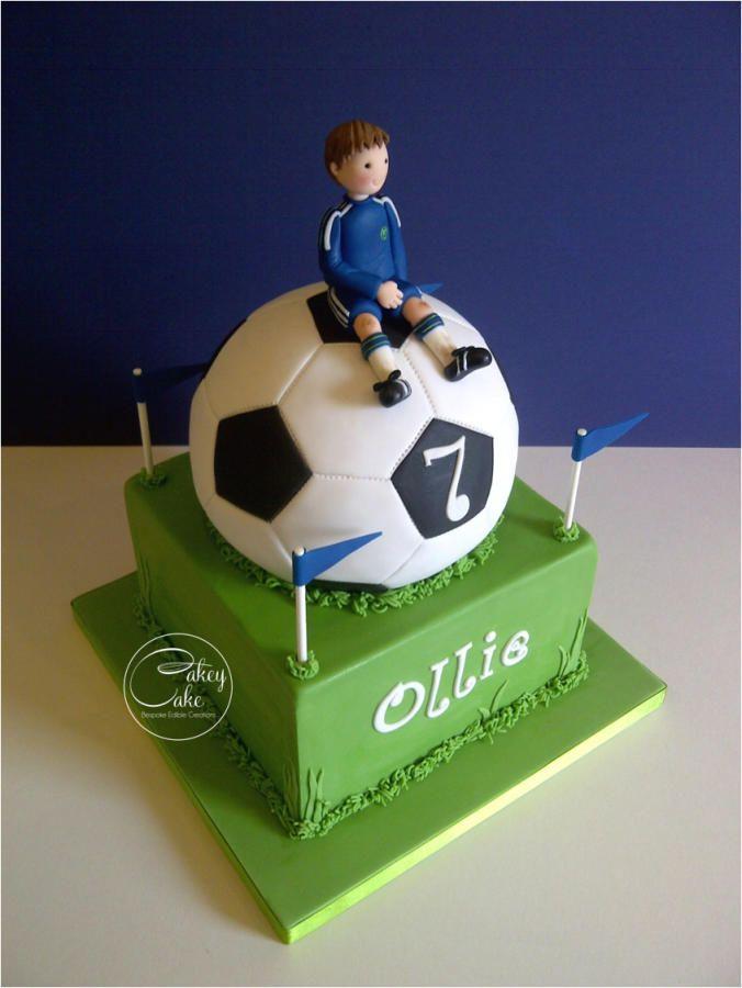 Football Fanatic - Cake by CakeyCake