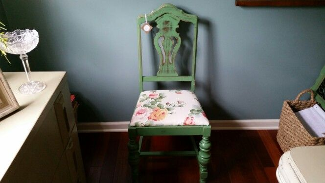 Leafy Green Antique Chair