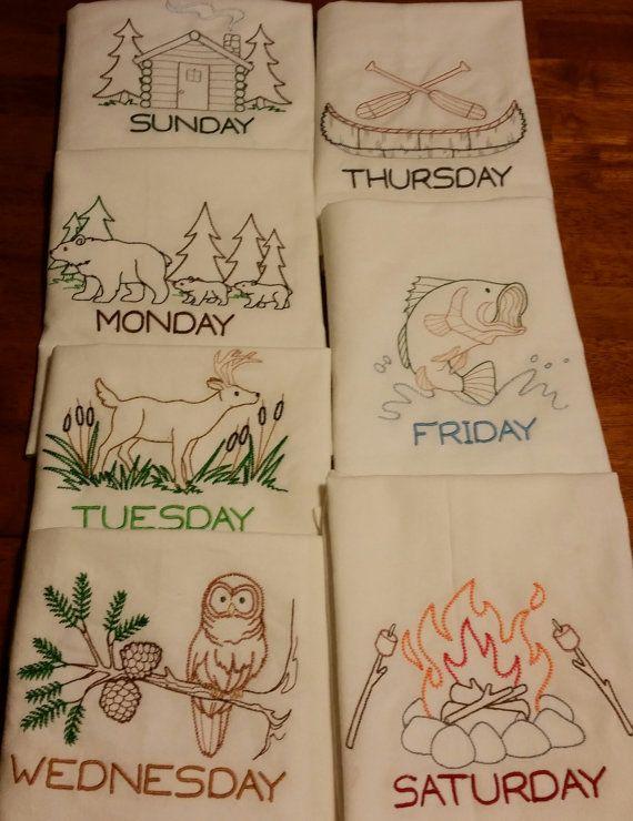 serviettes brodées floursack par KnottyBobbinEmb sur Etsy