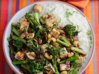 Levi Roots' Tenderstem® Broccoli, cashew and tofu stir fry