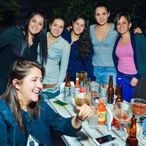 """""""Ocean hard fiesta""""    Haz tu tarde con los mejores #Beats de #CdSatelite; súmate a este grupo de amigos y visita @antojera"""