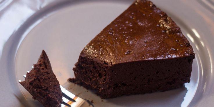 РЕЦЕПТЫ: Шоколадный торт-мусс из 3 ингредиентов