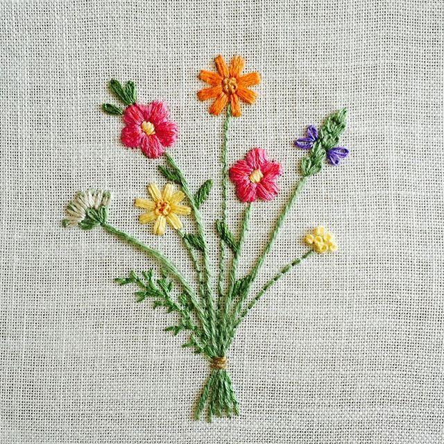 5個目はピンクとオレンジの花びらがパッと映えるような感じになりました  #刺繍#ホビーラホビーレ #青木和子