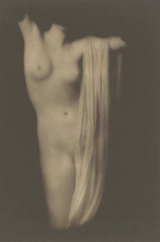 Arnold Genthe. Moder torso 1918