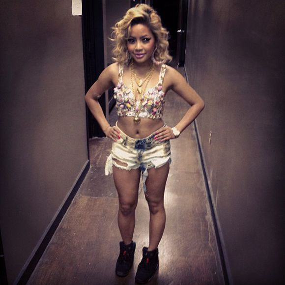 Rapper Honey Cocaine wearing the Air Jordan 6 Black/Infrared.  http://www.sneakerfiles.com/