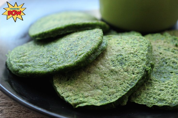 Spinach (Protein) Pancakes. 2 handfuls of fresh spinach – 100g 1/4 cup of rolled oats (gluten-free or regular) – 42g 1/4 cup liquid egg whites (which equates to approximately 3-4 fresh egg whites) – 62ml 1/8 cup of Greek yoghurt or cottage cheese (the ones here were made with Total 2% Greek yoghurt) – 43g
