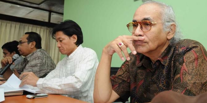 Salim Said: Jokowi Harus Ganti Staf Penasihat