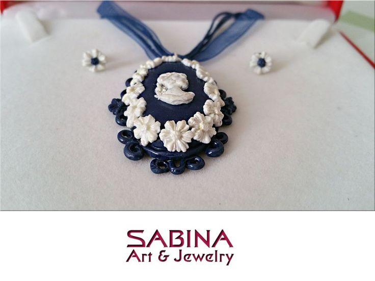 Set fimo - reproducere de camee cu flori albe (modelate manual)
