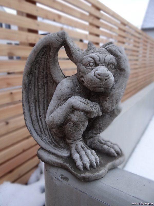 Steinfigur Gargoyle Mystische Gartendeko Aus Stein Steinfigur Gargoyle Mystische Gartendeko Aus Stein Aus In 2020 Gargoyle Tattoo Gargoyles Gargoyle Drawing