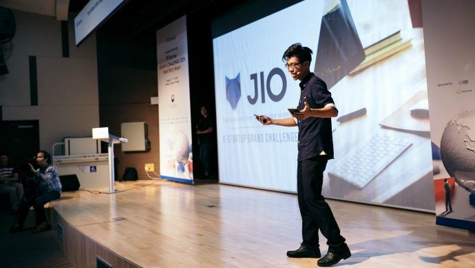 This CEO skipped university to build JIO an advertising technology that tracks eye movements