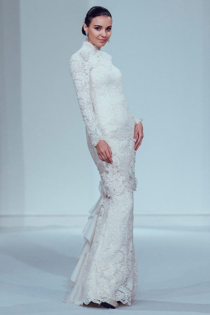 Photo by Funkydali/WAF. Innai Red 2015 Bridal Collection. www.theweddingnotebook.com