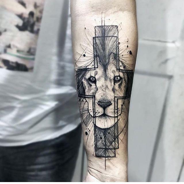 Tatuagem, Leão e Cruz