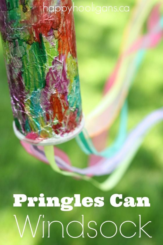 A Pringles can windsock is easy to make, and looks gorgeous thanks to a simple tie-dye effect with foil, sharpies and rubbing alcohol.