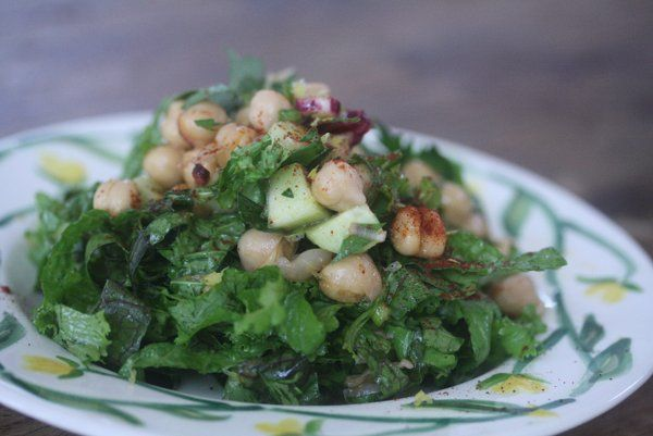 *Chickpea salad w/mustard greens. This has such a nice, fresh taste - and it's so healthy! A good way to get some greens.