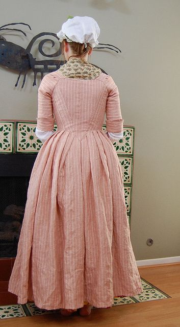Reproduction Striped Linen Round Gown by koshka_the_cat, with construction notes