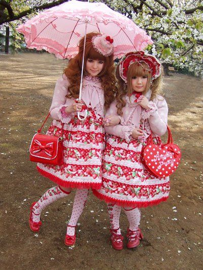 Sweet Strawberry Twinning Lolitas.: