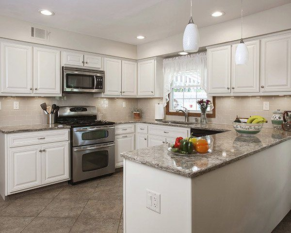 Best What Countertop Color Looks Best With White Cabinets 640 x 480