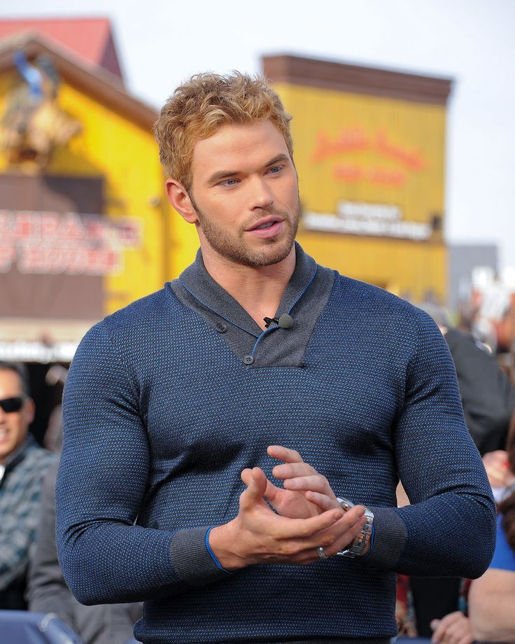 Kellan Lutz: 14 Celebs Who Can't Contain Their Muscles