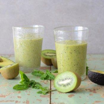 Creamy Minty Mango Kiwi Smoothie