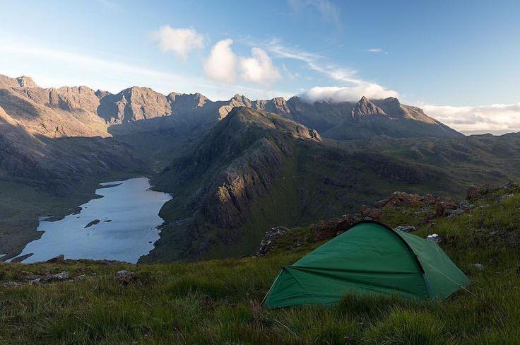いいね!56件、コメント4件 ― TERRA NOVA EQUIPMENT LTDさん(@terranovaequipment)のInstagramアカウント: 「Fantastic imagery from @nickhansonphotography 🏔 camping in Lock Coruisk, Scotland…」