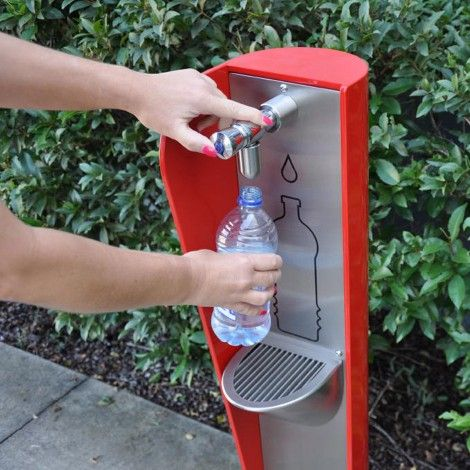 The revolutionary BF200 fountain by Urban FF is a water bottle filler - the perfect solution for a urban streetscape or park.