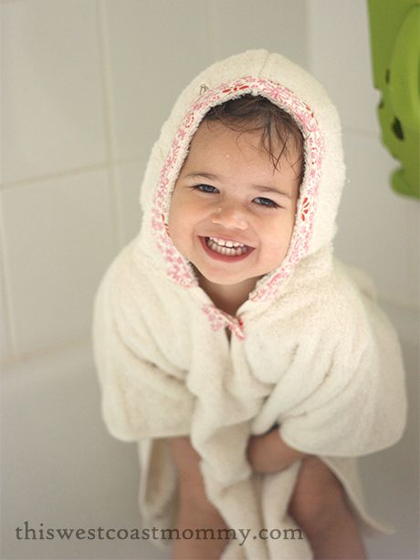 Öko Creations is giving away an Organic Cotton Bath Poncho!