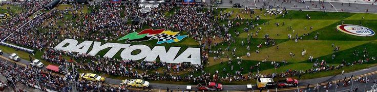 What Time Does The Daytona 500 Start?  http://daytona500-livestream.com/