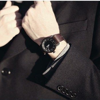 ビジネスマンにぴったり。ITDWatchsの時計。革ベルトの腕時計 ブランド