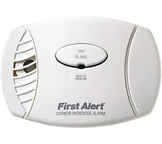 First Alert Carbon Monoxide Plug-in Alarm withBattery Backup